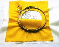 Процесс натягивания ткани