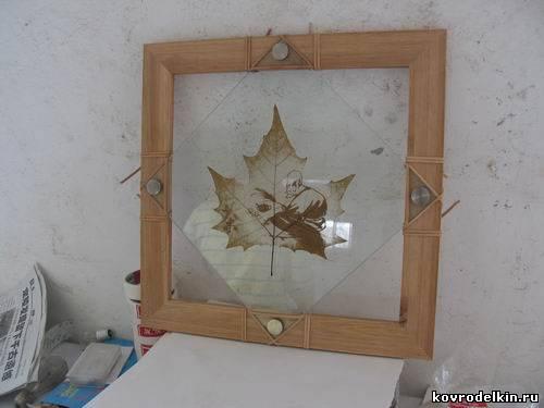 Рисунки на кленовых листьях